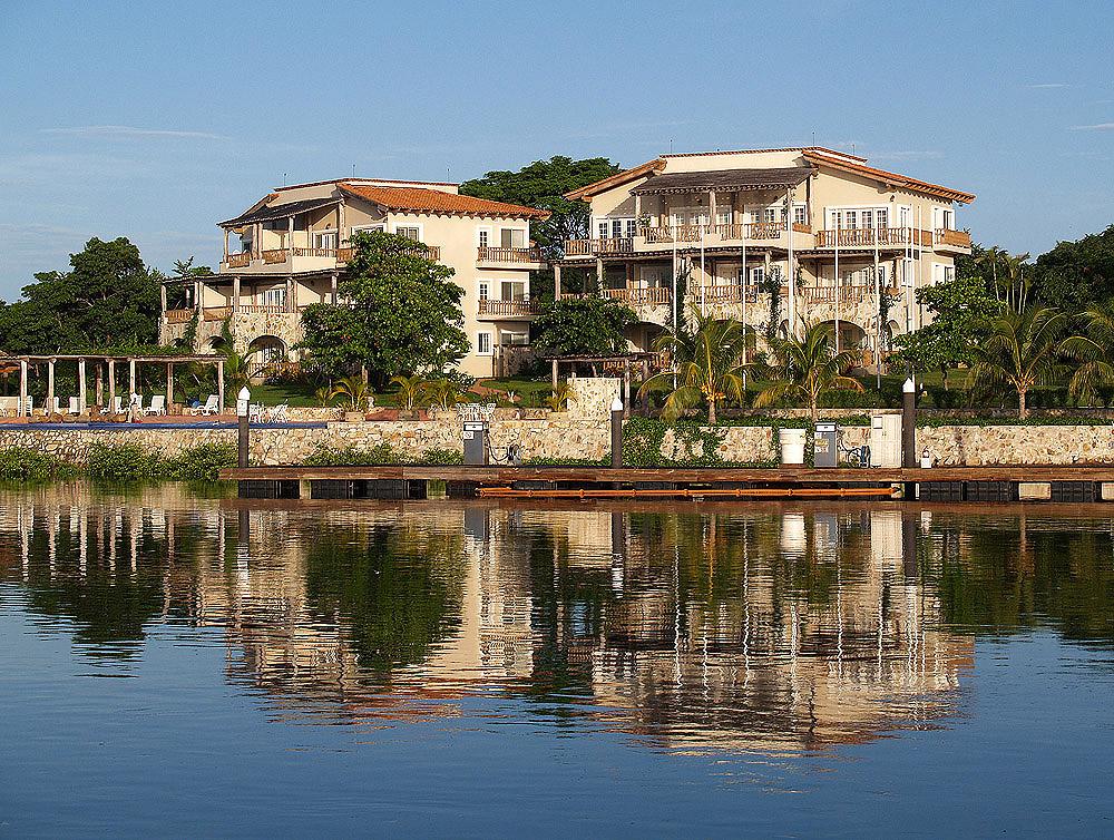 The resort marina puesta del sol for Edificio puesta del sol